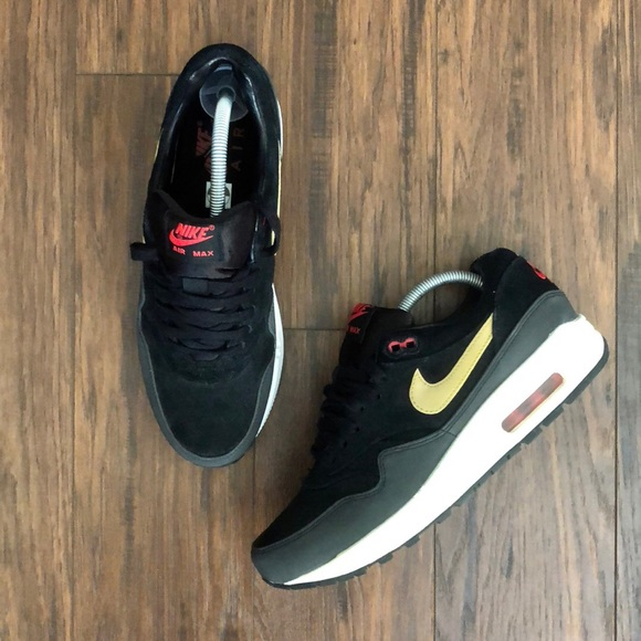 Nike Other - Men's Air Max 1 PRM Size 8.5 *like new*